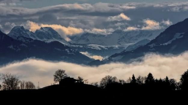 Montagnes neiges Alpes